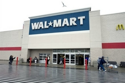 Wal-Mart apologizes to Muslim woman