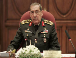 Army chief: 'I will remove my uniform if US influence proved'