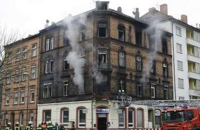 German arson attack again in Turk people occupied-building