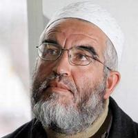 Sheikh Raed Salah arrested for waving Syrian flags