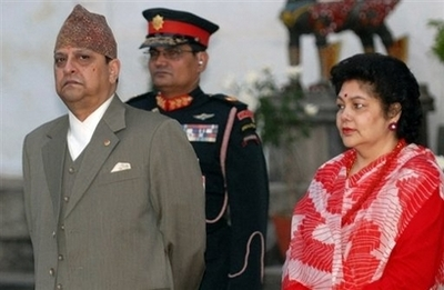 Ousted Nepal king consults astrologers in house hunt