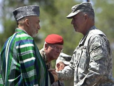 New US general takes command of Afghan NATO force