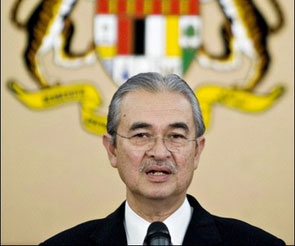 Malaysia considers cash handouts as fuel hike looms