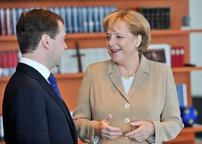 Medvedev heads to Germany on first W. Europe trip