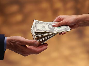 Russian officials said to steal $120 bln a year