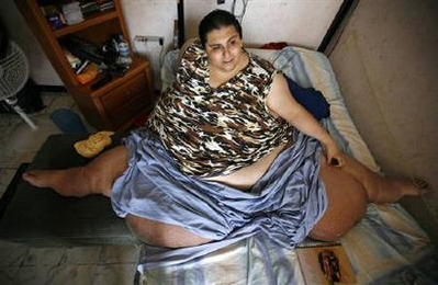 Man once world's most obese fetes birthday on bed