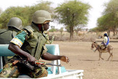 Sudan to allow limited UN troops