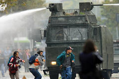 Chile police arrest hundreds