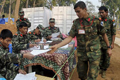 Nepal Maoists to join government