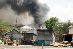 Shelling continues in Mogadishu