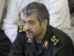Iran says Gulf oil route at risk if attacked