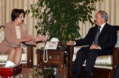 Pelosi meets with Syrian leaders