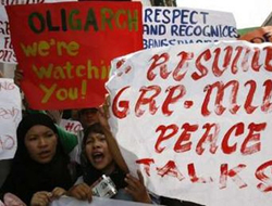 Philippines prevents aid workers in Muslim south
