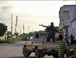 Somalia's insurgents rejects kidnapping Western reporters