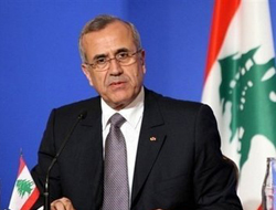Lebanese President urges world to open up to Syria