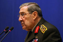 Military: Incursion into N. Iraq a must