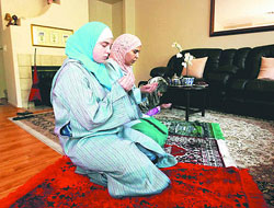 US girl fasting first Ramadan after converting to Islam