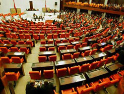 Turkey passes controversial border mine clearing bill