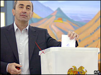 Opposition critisizes Armenia poll as flawed
