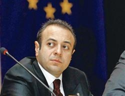 Turkish minister to discuss EU in France