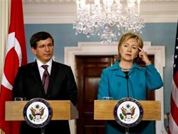 Turkey has 'same vision' in US engagement with Islam: Davutoglu, Clinton