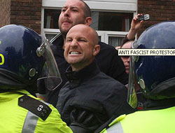 British extremists condemned for anti-Islamic protest in Ramadan / PHOTO