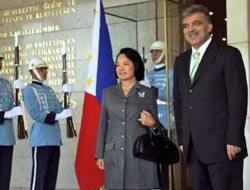 Philippine president in Turkey insists on OIC observer status