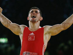Turkish wrestlers win medals at World Championships