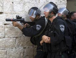 At least 180 Israelis enter Aqsa compound under guard