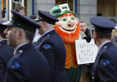 Tens of thousands rally inDublinover new water charges