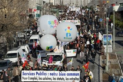 France's public workers strike over job cuts