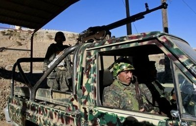 Southern fighters kill 3 Yemen soldiers in checkpoint