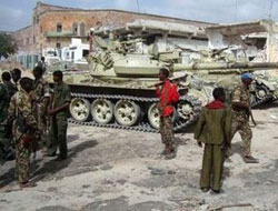 5 police wounded in Somali bombing- UPDATED