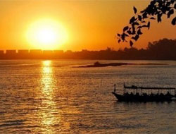 Egypt 'deeply worried' by Nile row with Ethiopia