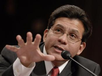 White House accuses Democrats of Gonzales 'crusade'