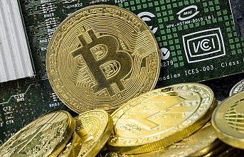Bitcoin falls below $5,000 for first time in over year