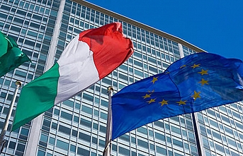 EU slams Italy budget as Rome seeks to avoid 'conflict'