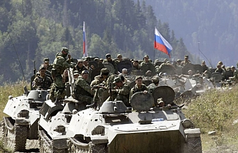 Russia turns up uninvited to major NATO wargames