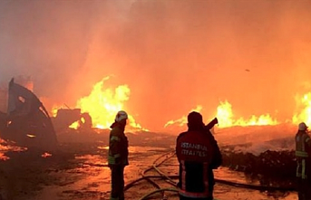 Huge fire engulfs multiple factories in Istanbul