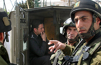 Israel arrests 17 Palestinians in West Bank