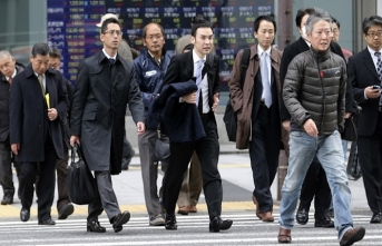 Japan unveils plan to attract more foreign workers