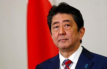 Japan's Abe makes rare China visit as relations thaw