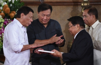 Duterte seeks martial law extension in southern Philippines