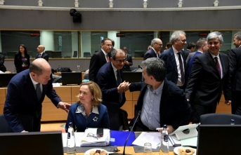 EU finance ministers reach eurozone reform deal