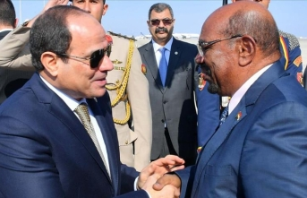 Sudan's Bashir visits Egypt for talks