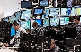 US stock market opens lower with extreme volatility