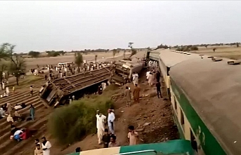 Death toll from Pakistan train collision rises to 40