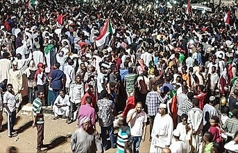 Thousands of Sudanese demonstrate against subsidy removal