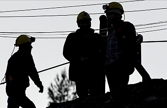 35 trapped miners rescued in Canada