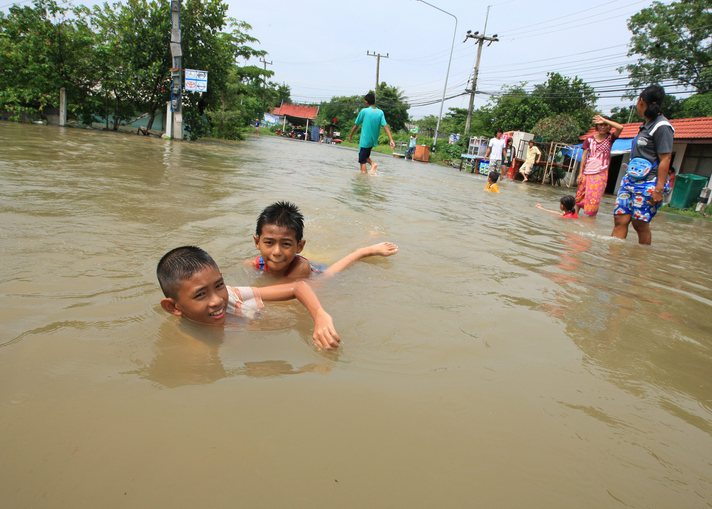 Number of Malaysians displaced by worst-ever floods reaches 160,000